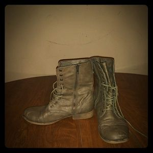 Vintage style madden girl ankle boots